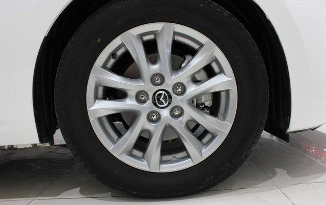 Chính chủ cần bán Mazda 3 2017 bản hatchback màu trắng, số tự động, full option8