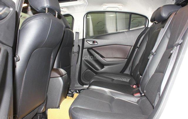 Chính chủ cần bán Mazda 3 2017 bản hatchback màu trắng, số tự động, full option13