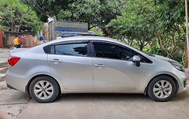 Cần bán Kia Rio 2017, màu bạc, nhập khẩu nguyên chiếc chính hãng0