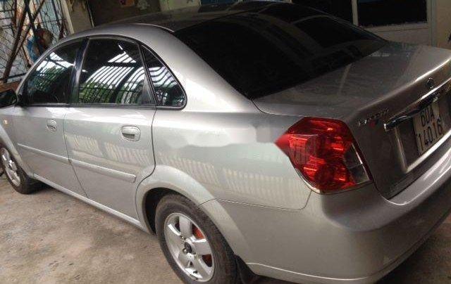 Cần bán gấp xe cũ Daewoo Lacetti đời 2004, màu bạc3