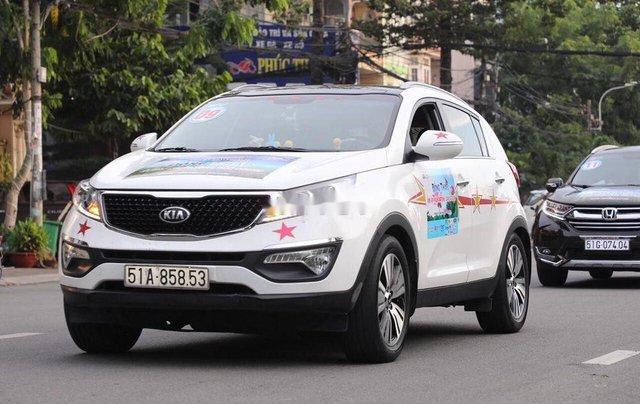 Cần bán gấp Kia Sportage 2.0AT năm sản xuất 2014, màu trắng giá cạnh tranh0