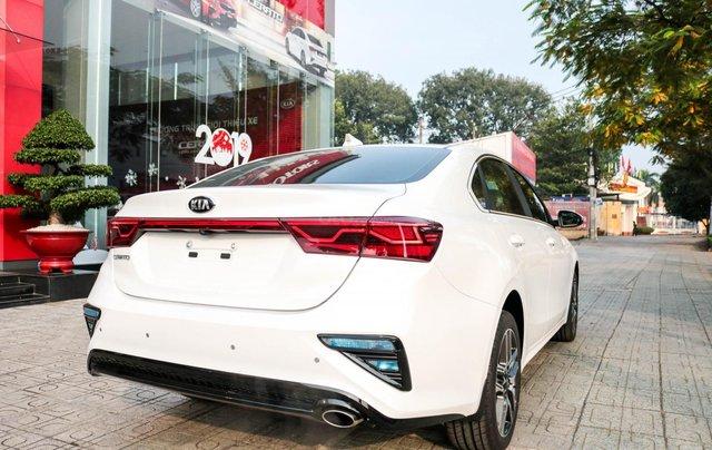 Kia Cerato 1.6 AT Luxury, ưu đãi giá hơn 16 triệu + tặng phụ kiện, đưa trước 200tr lấy xe4