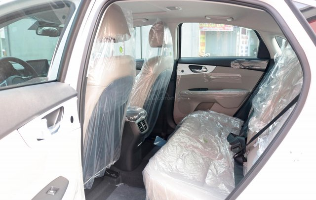 Kia Cerato 1.6 AT Luxury, ưu đãi giá hơn 16 triệu + tặng phụ kiện, đưa trước 200tr lấy xe11