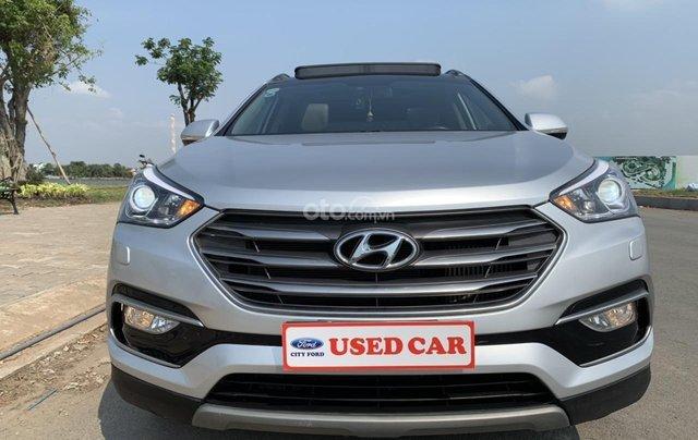 Bán xe Hyundai Santa Fe đời 2017, màu bạc, giá cực tốt0