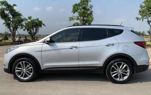 Bán xe Hyundai Santa Fe đời 2017, màu bạc, giá cực tốt1