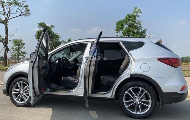 Bán xe Hyundai Santa Fe đời 2017, màu bạc, giá cực tốt3