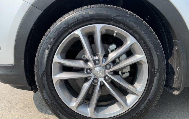 Bán xe Hyundai Santa Fe đời 2017, màu bạc, giá cực tốt7