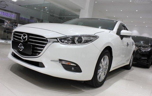 Chính chủ cần bán xe Mazda 3 đời 2017, màu trắng, giá chỉ 590 triệu10