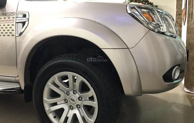 Bán xe Ford Everest năm sản xuất 2015, màu vàng, giá chỉ 635 triệu2