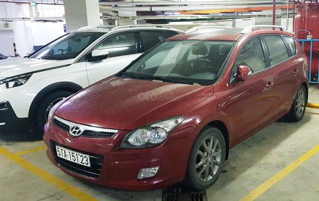 Bán Hyundai i30 CW 1.6AT năm sản xuất 2011, màu đỏ, nhập khẩu, 410tr1