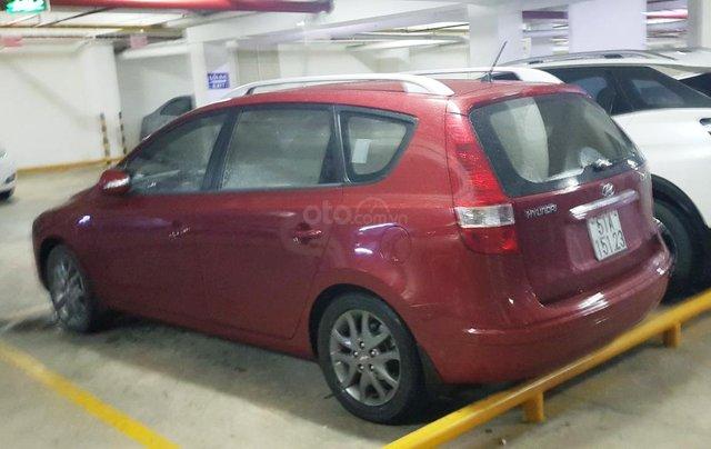 Bán Hyundai i30 CW 1.6AT năm sản xuất 2011, màu đỏ, nhập khẩu, 410tr2