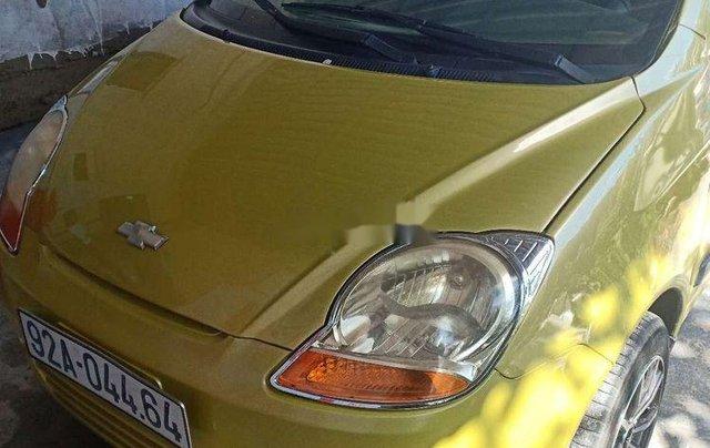 Cần bán xe Chevrolet Spark sản xuất 2009, màu vàng xe gia đình0