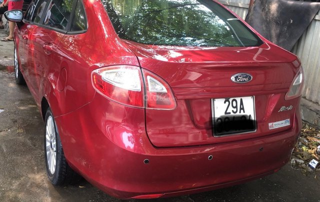 Thanh lý nhanh chiếc Ford Fiesta năm 2011, màu đỏ, giá tốt8