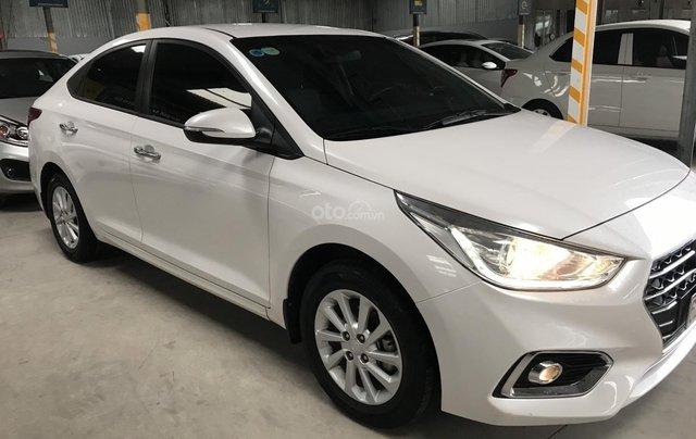 Bán ô tô Hyundai Accent 1.4MT 2018 màu trắng, xe gia đình1