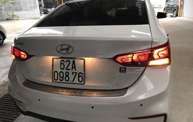 Bán ô tô Hyundai Accent 1.4MT 2018 màu trắng, xe gia đình3