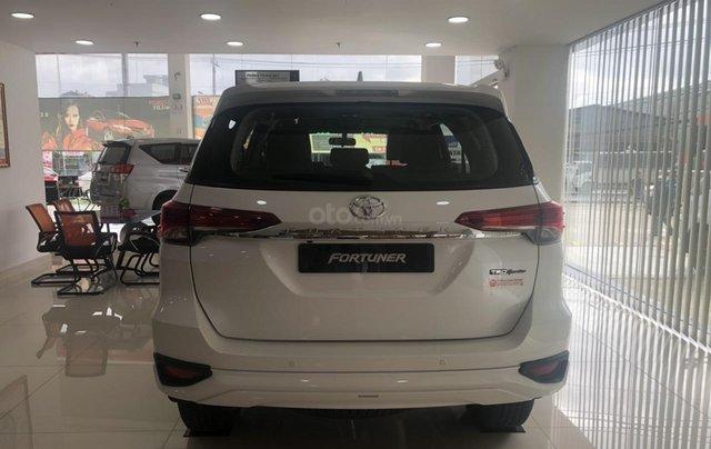 Bán xe Toyota Fortuner 2.7 TRD, màu trắng- khuyến mãi giảm giá khủng - tặng phụ kiện cao cấp theo xe1