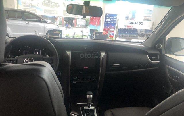 Bán xe Toyota Fortuner 2.7 TRD, màu trắng- khuyến mãi giảm giá khủng - tặng phụ kiện cao cấp theo xe4