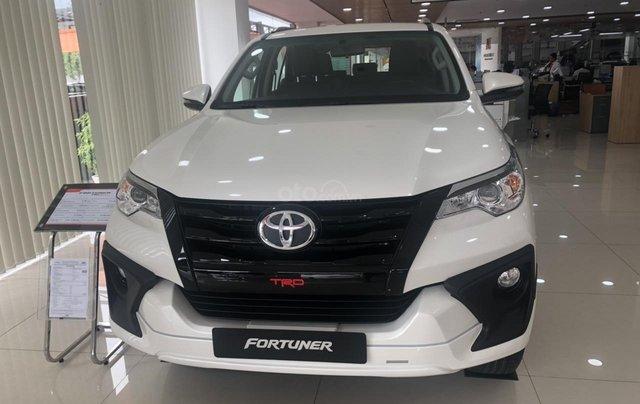Bán xe Toyota Fortuner 2.7 TRD, màu trắng- khuyến mãi giảm giá khủng - tặng phụ kiện cao cấp theo xe6