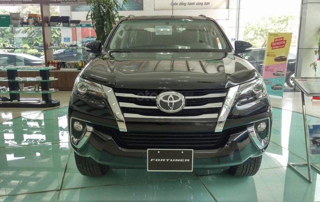 Toyota Hà Đông - Giảm giá sốc - Nhận quà liền tay khi mua xe Toyota Fortuner đời 2019, màu đen0