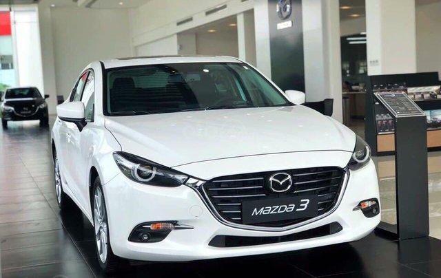 Cần bán xe Mazda 3 sản xuất 2019, màu trắng, giá 649tr0