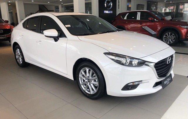 Cần bán xe Mazda 3 sản xuất 2019, màu trắng, giá 649tr2