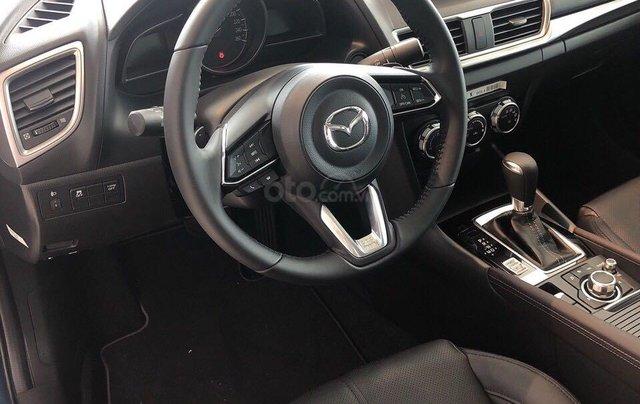 Cần bán xe Mazda 3 sản xuất 2019, màu trắng, giá 649tr3