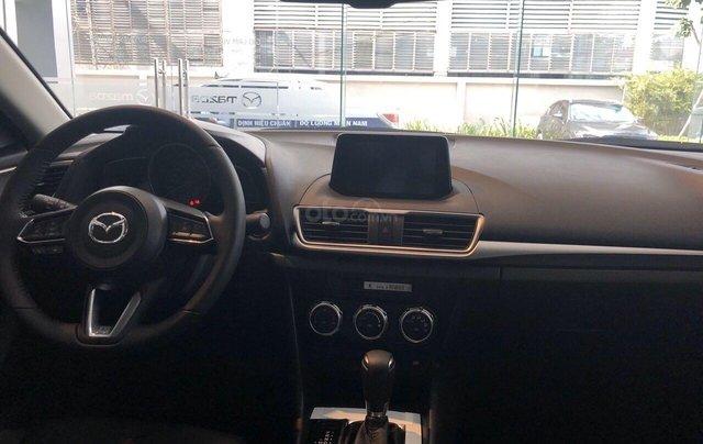 Cần bán xe Mazda 3 sản xuất 2019, màu trắng, giá 649tr4