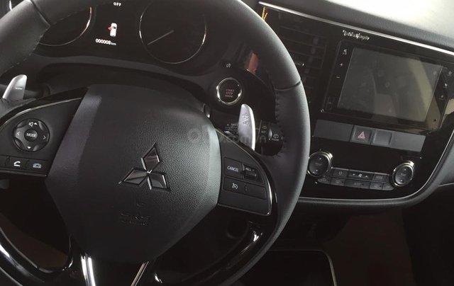 Bán xe Mitsubishi 2019 sale sập sàn, khuyến mãi khủng, LH: 09083644083