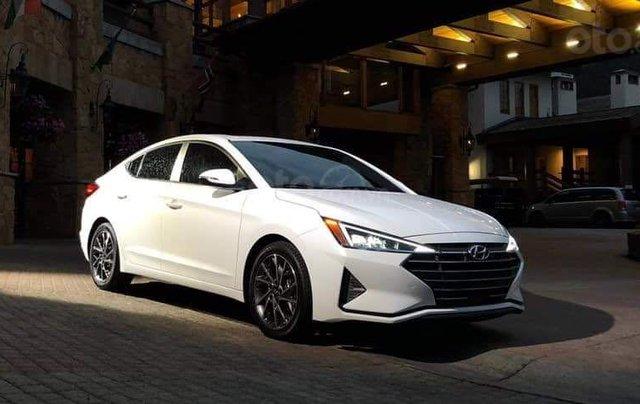 Hyundai Elantra khuyến mãi sập sàn, giá tốt nhất miền Trung9