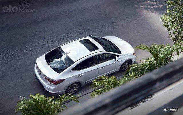 Hyundai Elantra khuyến mãi sập sàn, giá tốt nhất miền Trung13
