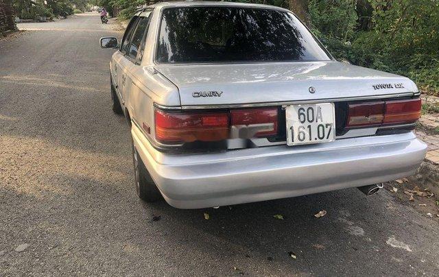 Cần bán Toyota Camry MT đời 1988, xe nhập, 60 triệu0