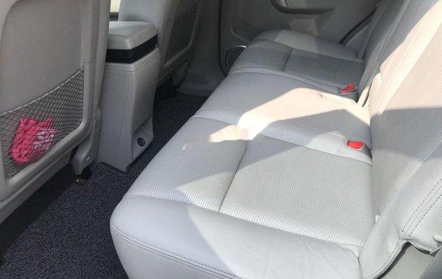 Cần bán Chevrolet Captiva sản xuất năm 2015, màu vàng, số tự động5