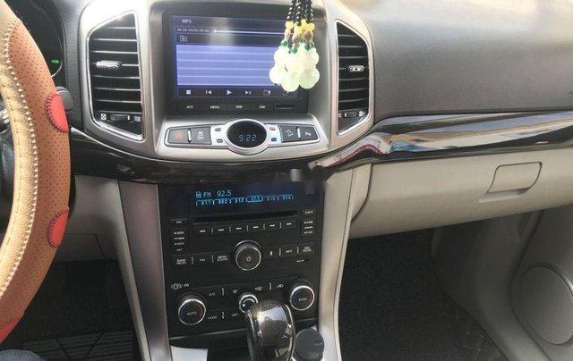 Cần bán Chevrolet Captiva sản xuất năm 2015, màu vàng, số tự động11