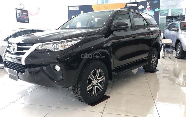 Cần bán Toyota Fortuner 2019 bản 4x2 MT, hỗ trợ vay lãi suất 0%0