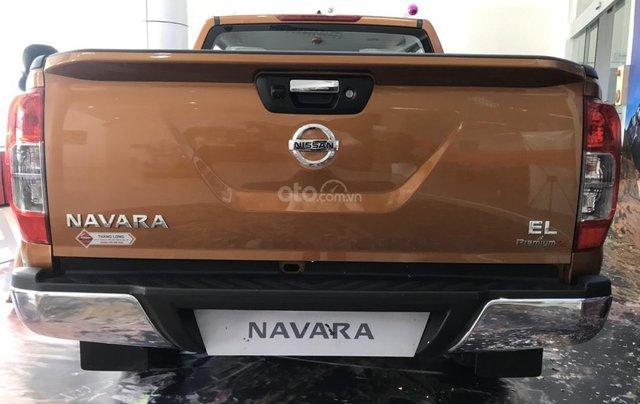 Cần bán chiếc xe Nissan Navara năm 2019, số tự động, máy dầu2