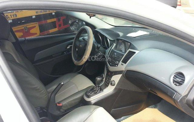 Cần bán Chevrolet Cruze đời 2012, màu trắng giá chỉ 290 triệu2