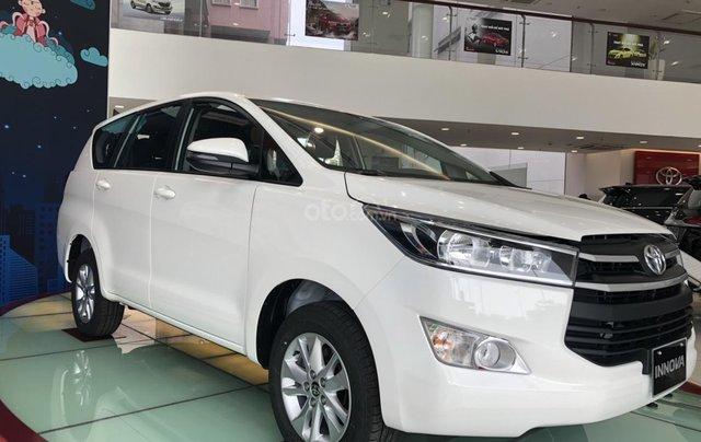 Bán xe Toyota Innova E sản xuất năm 2019, màu trắng, hỗ trợ vay ngân hàng – 0903070070 - Toyota Bến Thành0