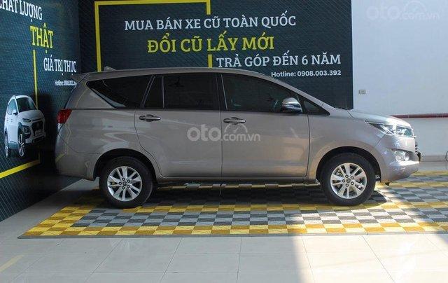 Bán xe Toyota Innova E 2.0 MT 2019 màu bạc, mới đi 16.000 km, hỗ trợ trả góp 70%2