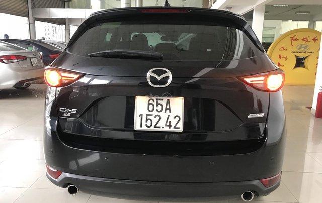 Bán xe Mazda CX5 2.5AT đời 2018, màu đen, mới 99%8