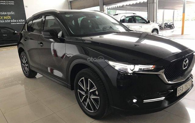 Bán xe Mazda CX5 2.5AT đời 2018, màu đen, mới 99%0
