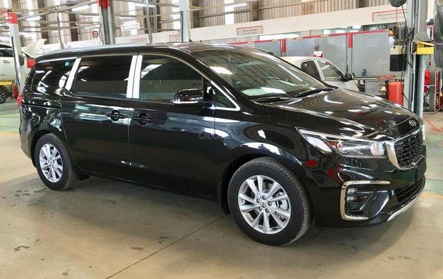 Cần bán Kia Sedona Luxury D đời 2019, màu đen1