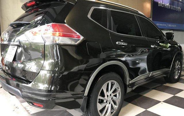 Bán xe Nissan X trail đời 2017, màu xanh rêu, giá 860tr1