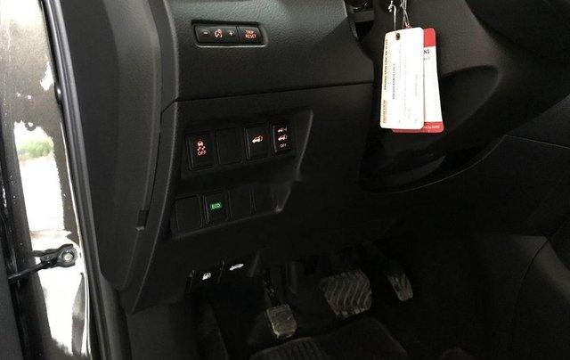 Bán xe Nissan X trail đời 2017, màu xanh rêu, giá 860tr7