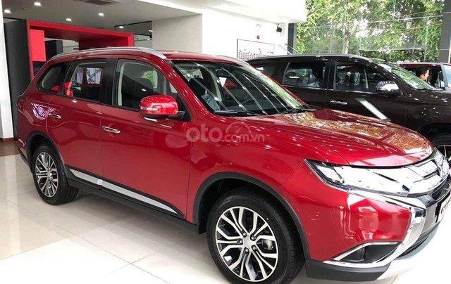 Bán xe Mitsubishi Outlander đời 2019, màu đỏ1