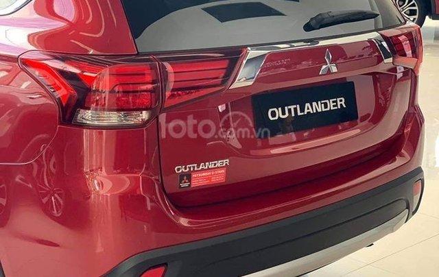 Bán xe Mitsubishi Outlander đời 2019, màu đỏ2