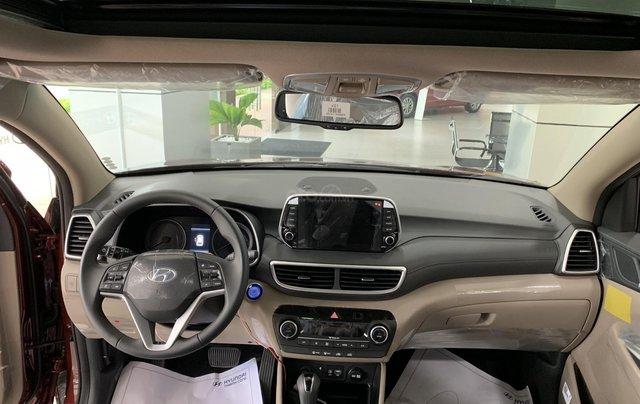 Hyundai Tucson giá bán cạnh tranh, quà tặng khuyến mãi phụ kiện giá trị thật1