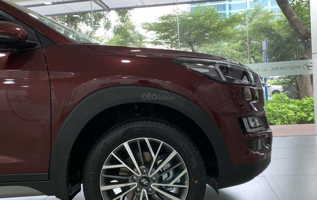 Hyundai Tucson giá bán cạnh tranh, quà tặng khuyến mãi phụ kiện giá trị thật3