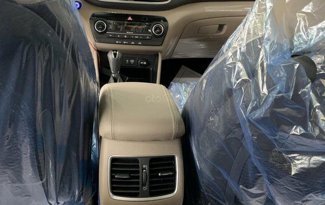 Hyundai Tucson giá bán cạnh tranh, quà tặng khuyến mãi phụ kiện giá trị thật6