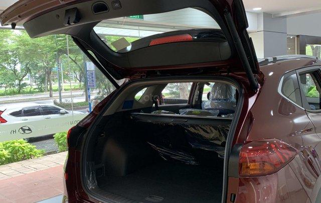 Hyundai Tucson giá bán cạnh tranh, quà tặng khuyến mãi phụ kiện giá trị thật5