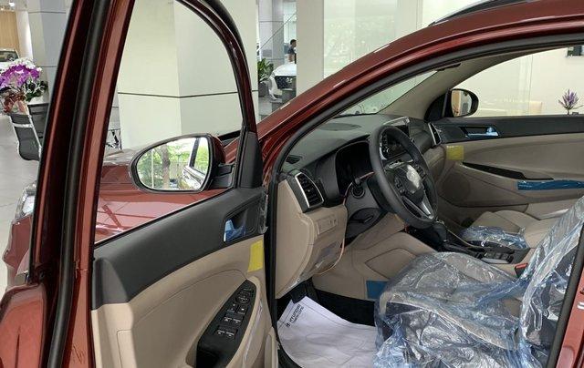 Hyundai Tucson giá bán cạnh tranh, quà tặng khuyến mãi phụ kiện giá trị thật7
